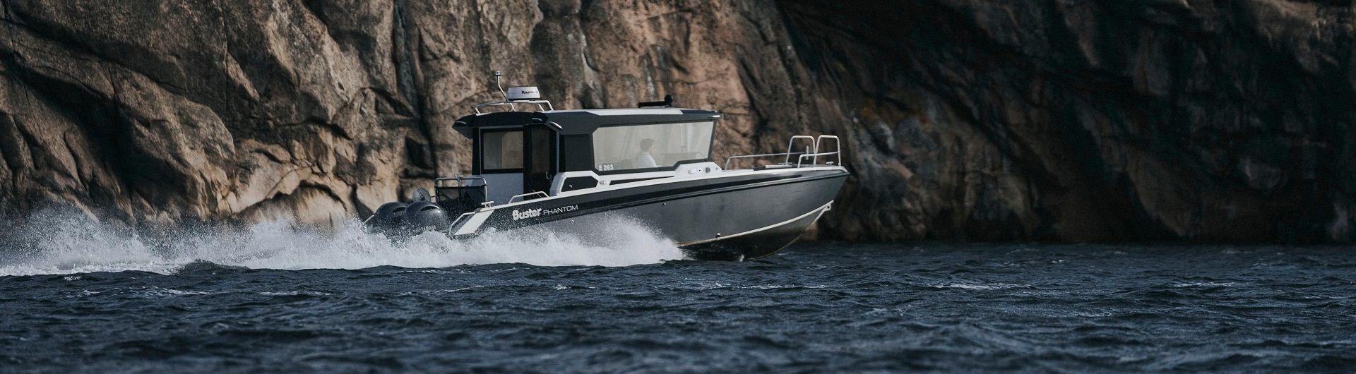 Aluminiumboot Sportboot Buster Phantom Cabin Header