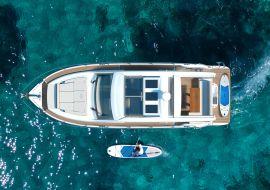 Sportboot Sealine C390