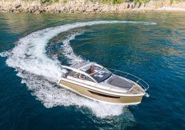 Sportboot Sealine S330V